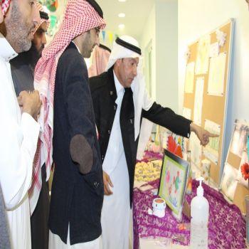 د. الحديثي يفتتح معرض أعمال النزلاء اليدوية بمستشفى الصحة النفسية بالقصيم